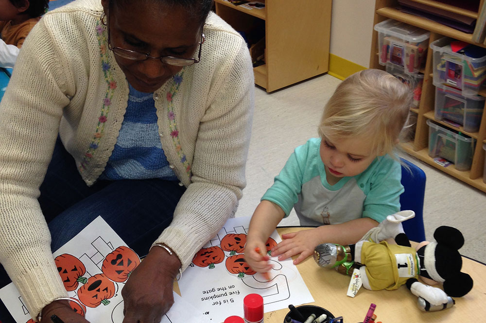 Program-2-African-american-teacher-with-little-girl